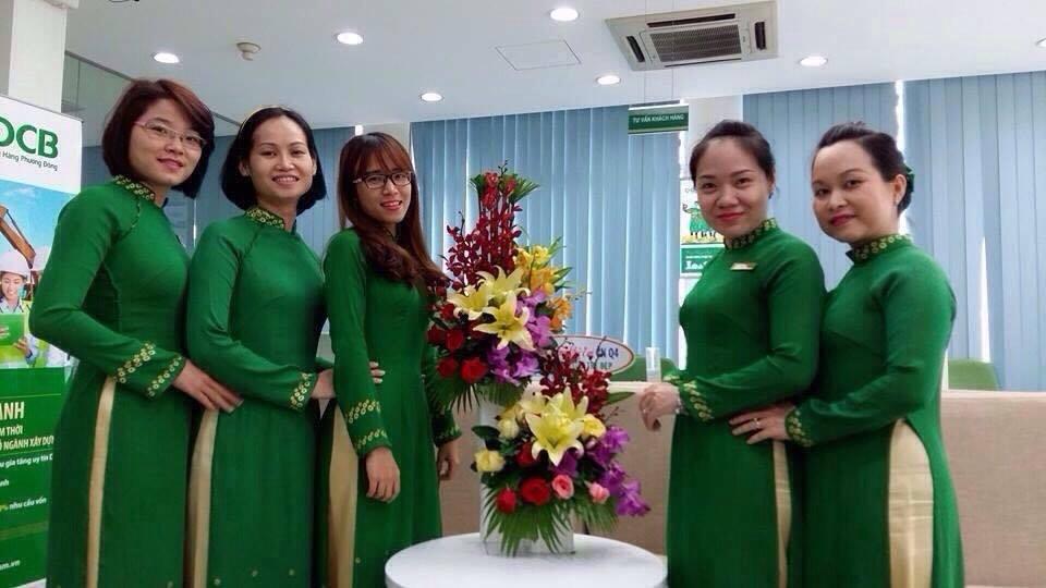 May áo dài đồng phục cho ngân hàng sự lựa chọn trang phục tốt nhất