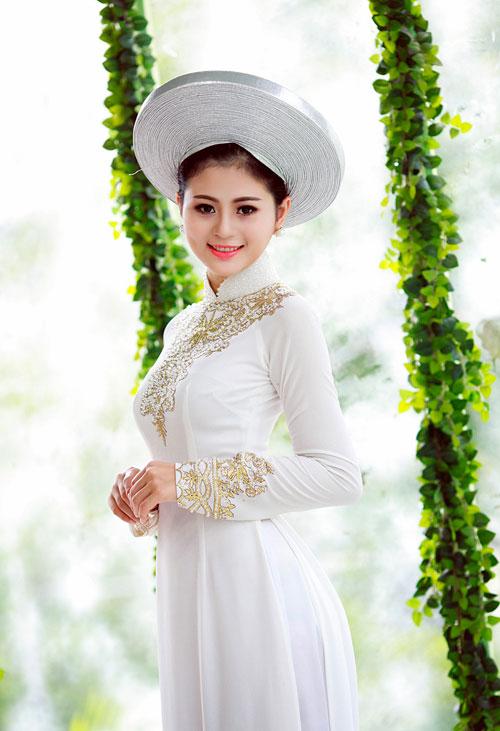 Chọn màu trắng tinh khôi trong việc may áo dài cưới đẹp