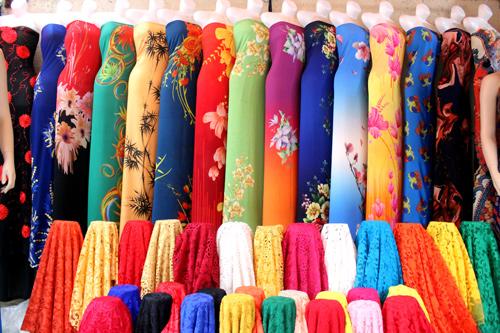Nơi mua áo dài may sẵn đẹp rẻ